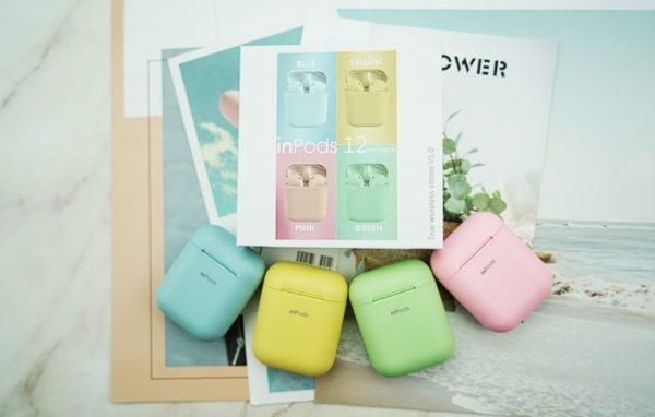 vezeték nélküli fülhallgató különböző színekben